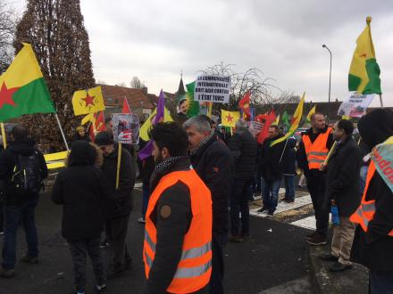Manifestation kurde à Etampes
